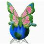 Топиарная фигура бабочка на шаре