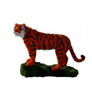 Тигр на возвышении