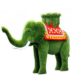 Слон с вазоном на ковре