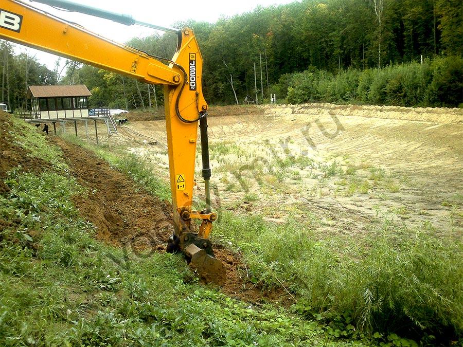 Начало строительство пруда с пленкой Firestone